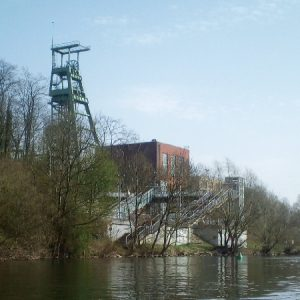 lutz-paddelt-ruhr-essen-foerderturm